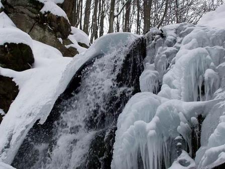 Картинки по запросу водоспад шипіт взимку